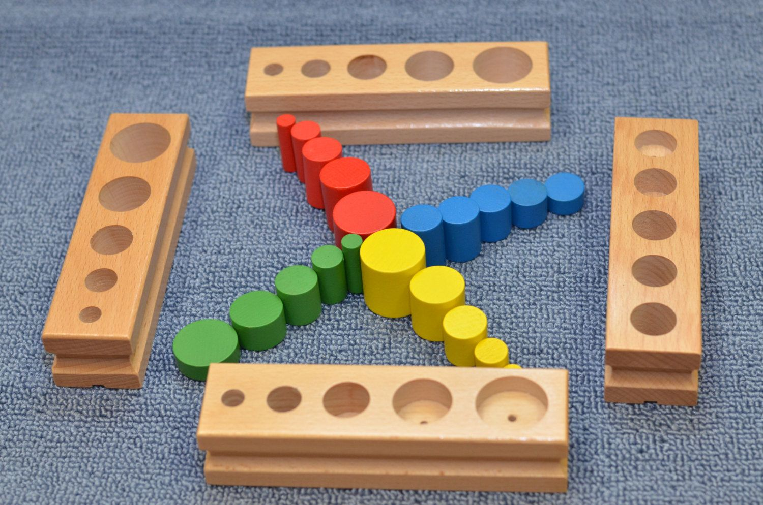 Montessori Preschool Kids Learning Toys Wood Number Box Knobless Cylinders