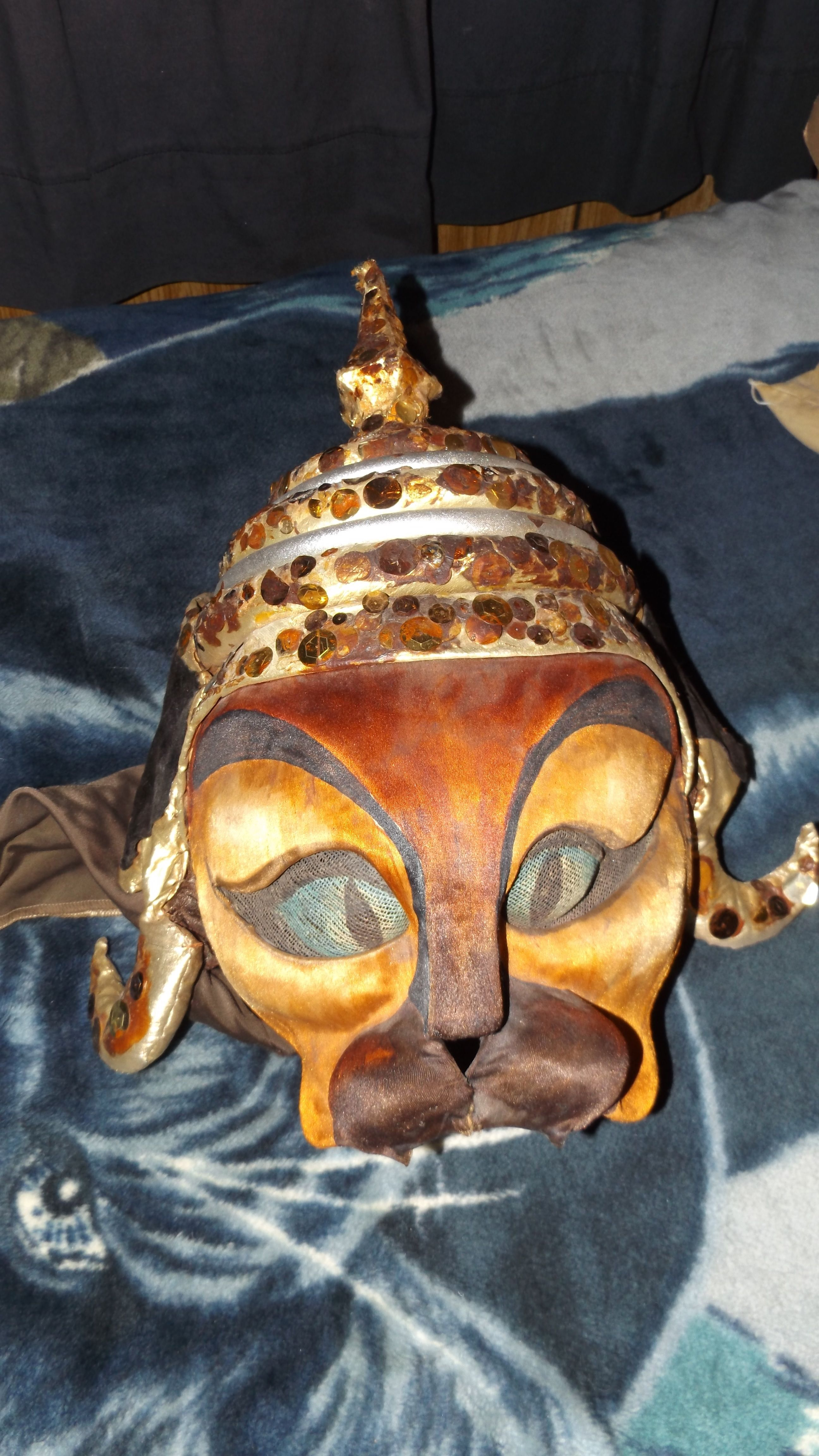 Authentic Siamese Mask From Broadway Siamese, Lion sculpture