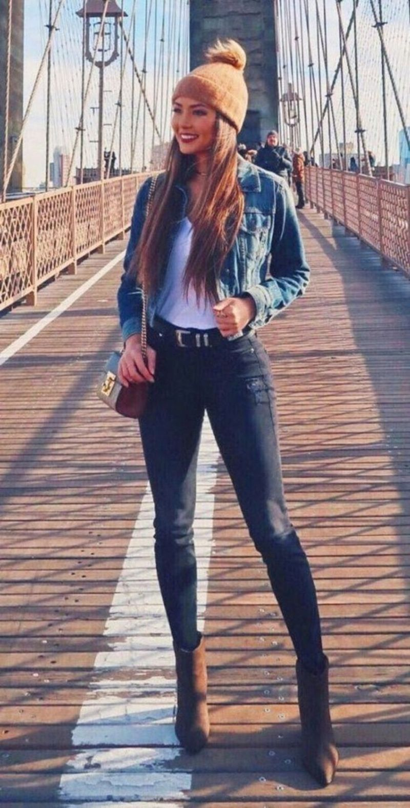 40 Trendiest Winter Outfits For Girls Jean Jacket Outfits Denim Outfit Winter Outfits [ 1576 x 800 Pixel ]