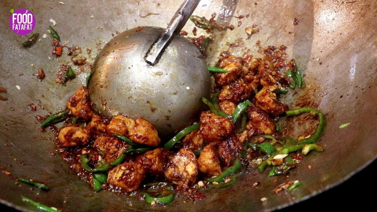 Chilli Chicken Restaurant Style In Just 2 Minutes Easy Chili Chicken Gravy Indian Street Food Youtube Easy Chili Easy Chicken Chili Chicken Gravy