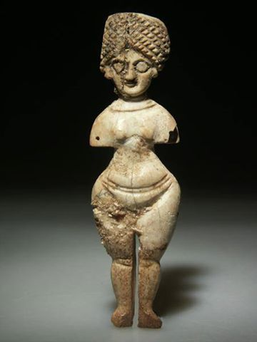 Roman Carved Bone Doll C 1st 3rd Century Ce Dolls And The Remains Of Dolls Constitute One Of The Largest Bodies Of Evidence For Ancient Art Art Roman Art