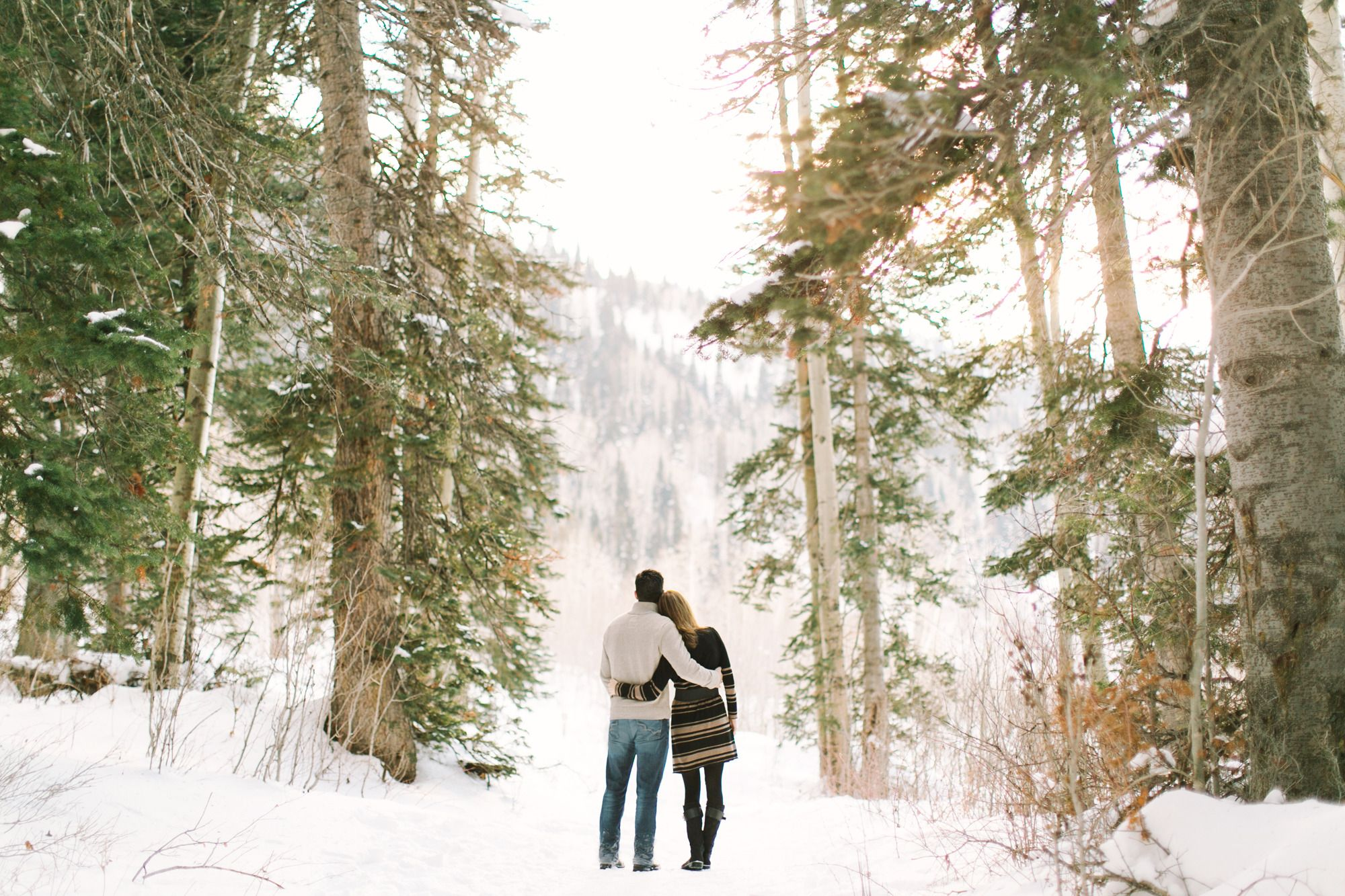 Romantisches Winter-Verlobungsshooting   – Engagement Pictures Winter