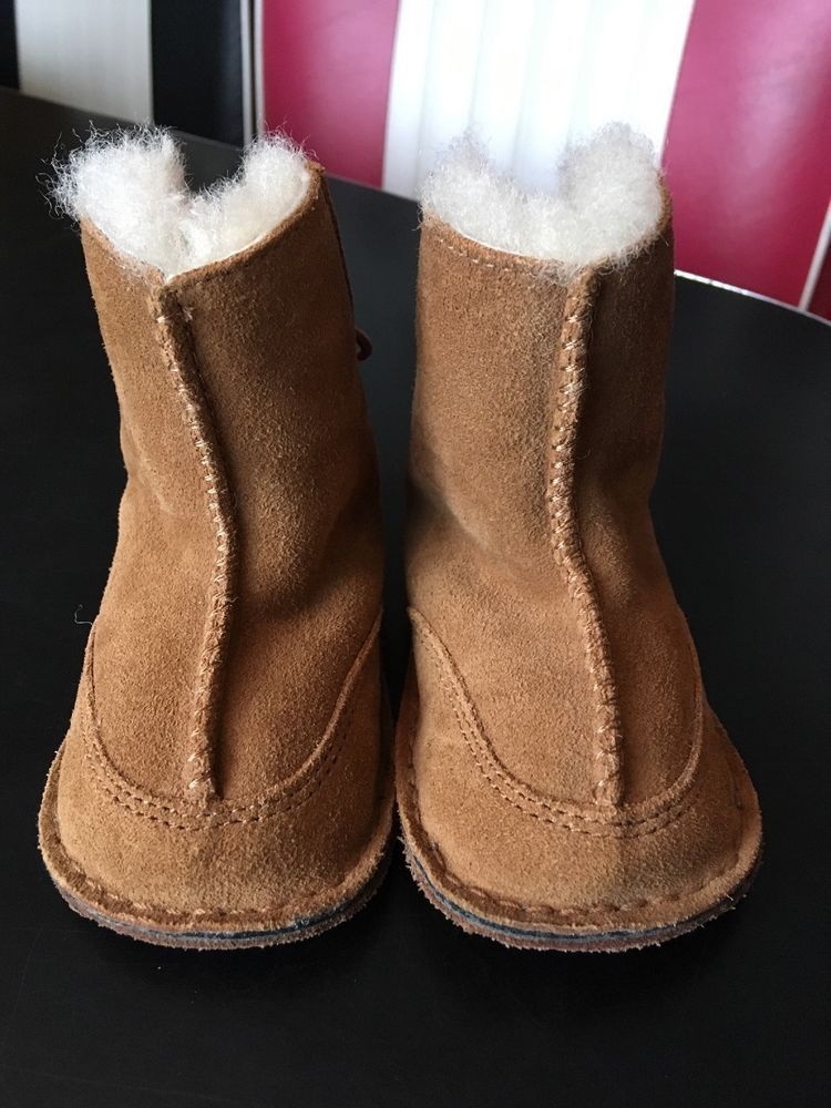 d2386e71eaa NWOT NEW UGG BABY BOO 5206 CHESTNUT BOOTIES SIZE SMALL SHOE SIZE 2-3 ...