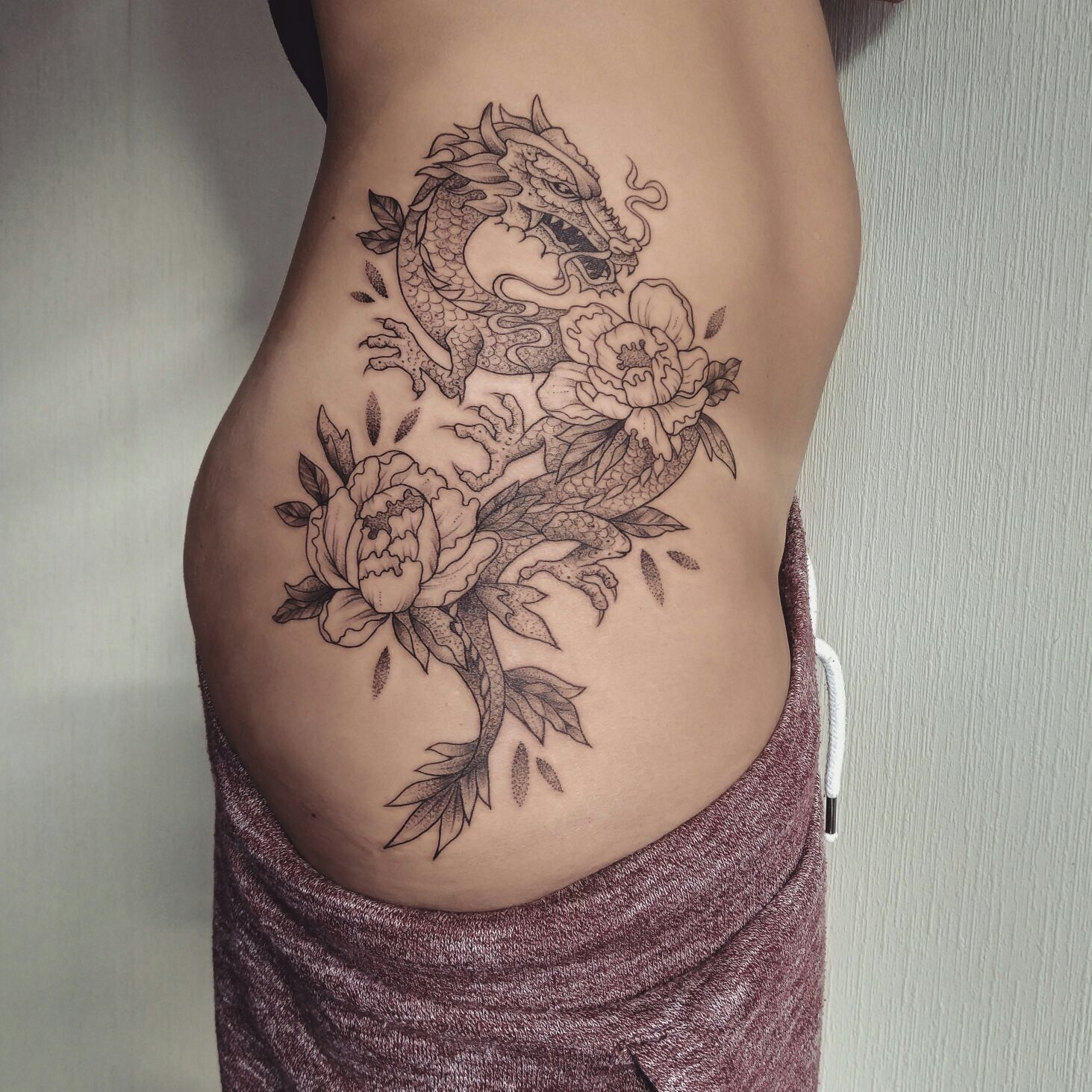 Girl Thigh Tattoos Image By Moon On Create Your Own Character In 2020 Hip Tattoos Women Dragon Sleeve Tattoos
