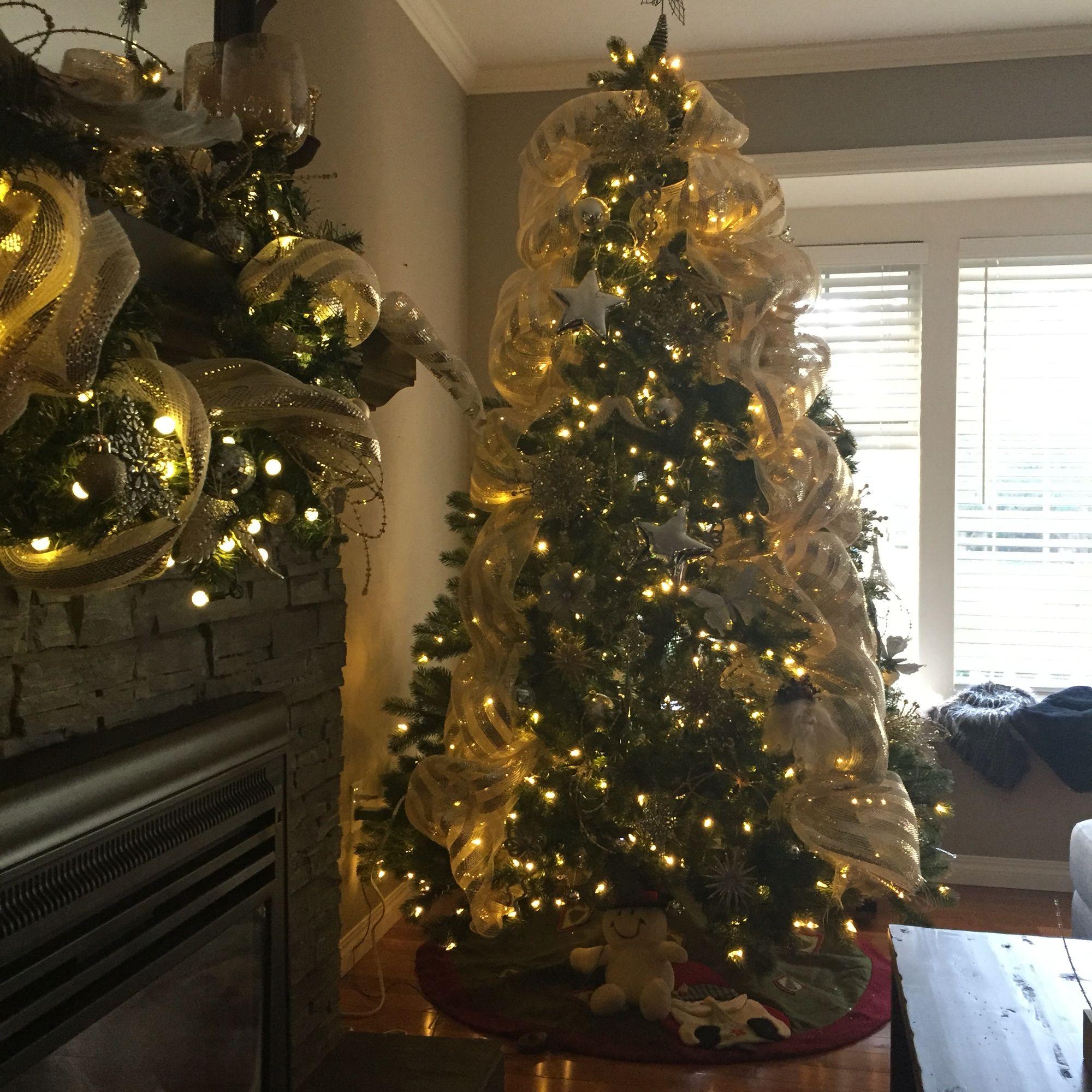 Christmas decorating ☃