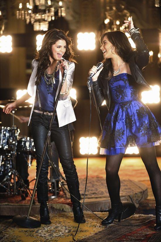 Selena Gomez & Demi Lovato ( i miss this )