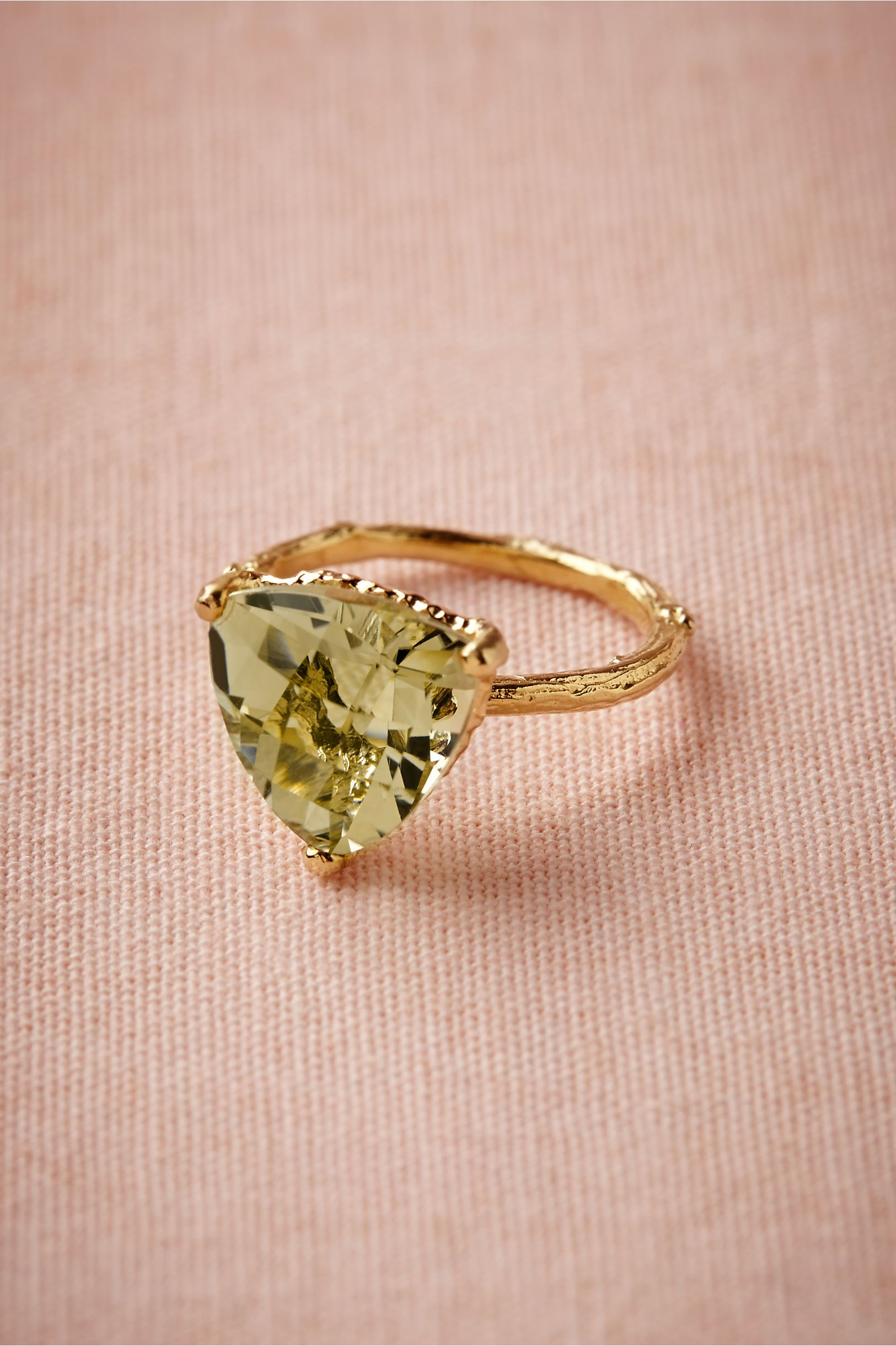 I LOVE EVERYTHING ABOUT THIS! The cut of the stone, the color, the ...
