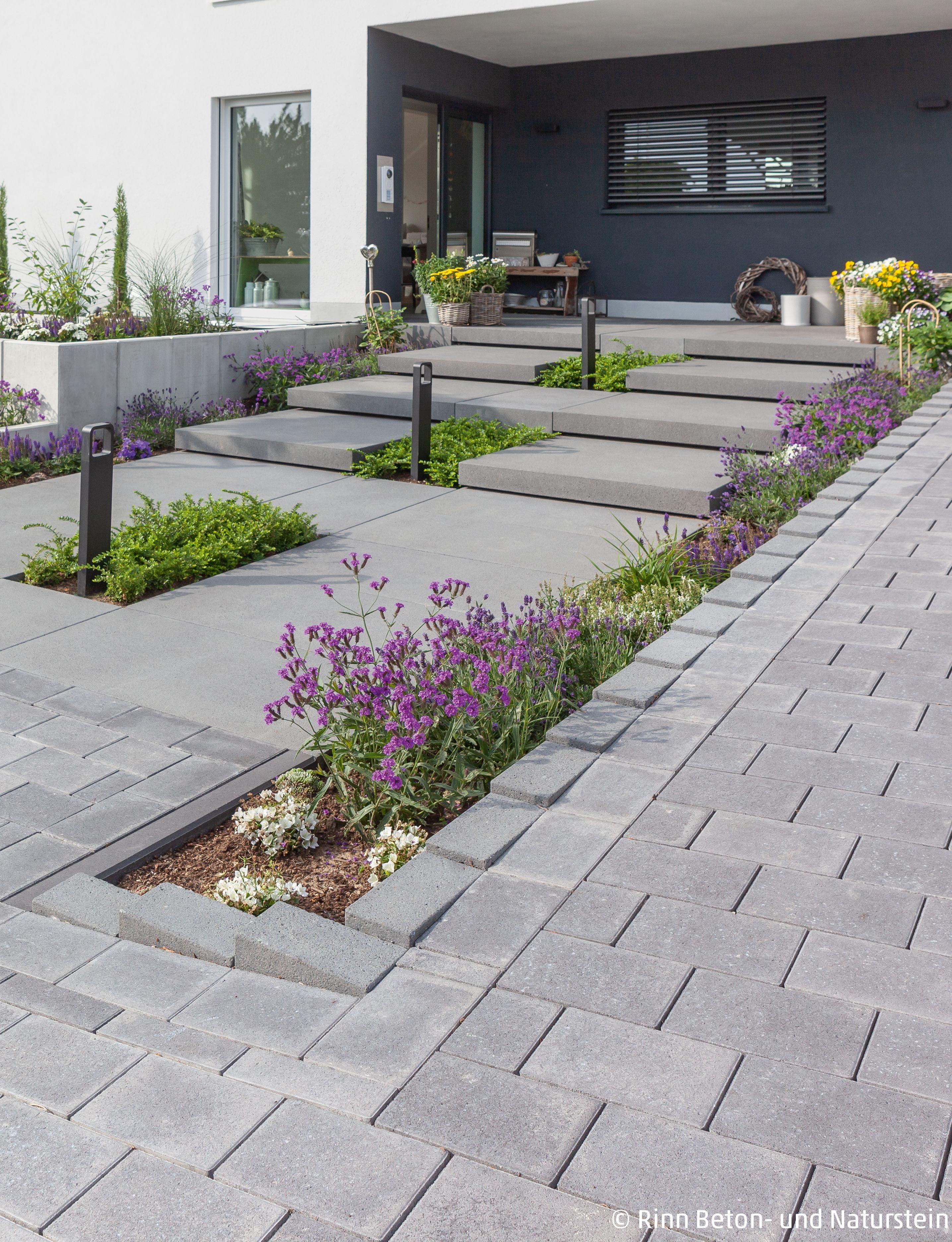 Verspielte Vorgartengestaltung Garten Aussentreppe Einfahrt Gestalten