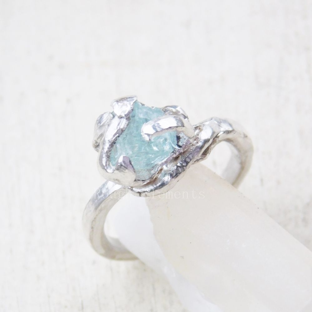 Raw natural stone Aquamarine ring set in 999 fine silver ...