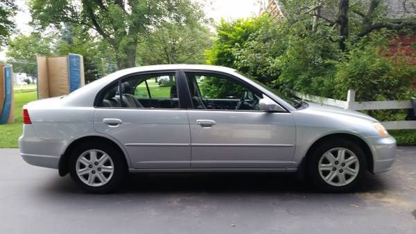 2003 Honda Civic Ex For Valued At 3 000 163 600 Miles Silver With Gray