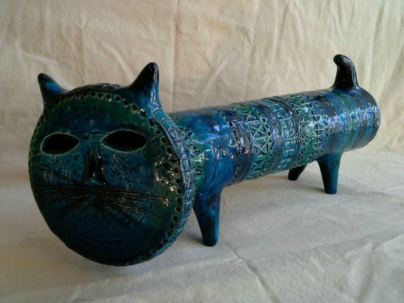 BITOSSI of ITALY ALDO LONDI CAT - RIMINI BLU - SIGNED - EARLY 1960'S his Cat's dimensions are: Overall Length = 40cm Cat's Face = 14cm Cat's Body = 8.5cm Overall Height = 17cm Weight = 2.02kg (Unpacked) = 3.5kg (Packed)
