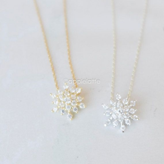 snowflake necklace white necklace Cubic Zirconia by applelatte