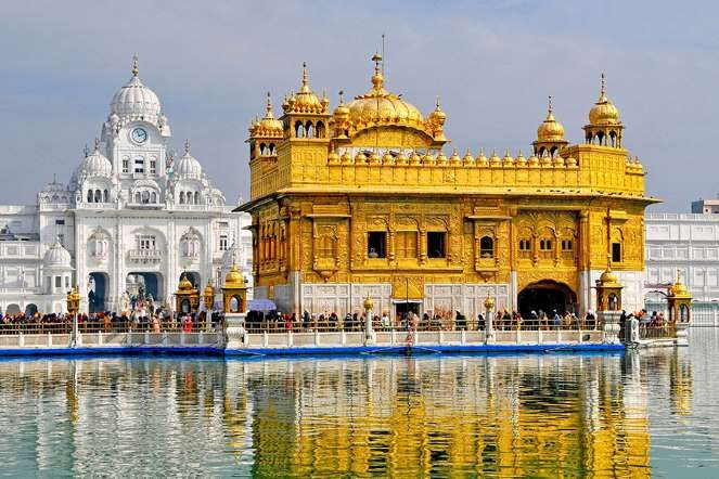 19 Beautiful Houses of Worship Around the World | Golden temple, Golden  temple amritsar, Temple architecture