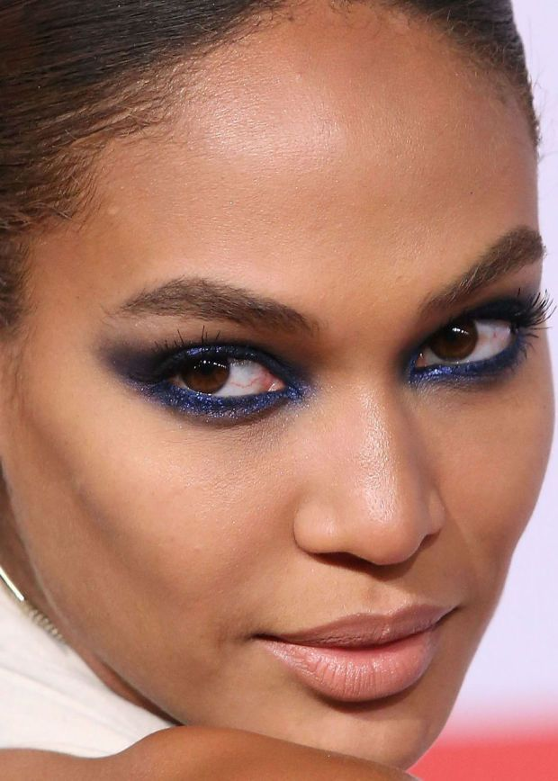 Close-up of Joan Smalls at the 2015 CFDA Fashion Awards. http://beautyeditor.ca/2015/06/06/best-celebrity-beauty-looks-emmy-rossum