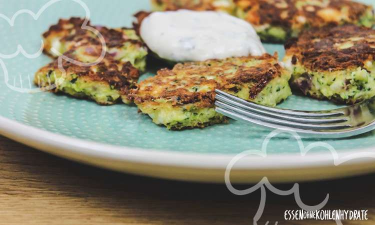 Photo of Delicious low-carb zucchini-feta cakes – low-carb recipes