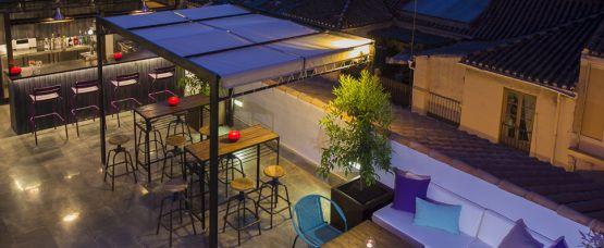 Piscina lounge del hotel molina lario m laga shops - Diseno de interiores malaga ...