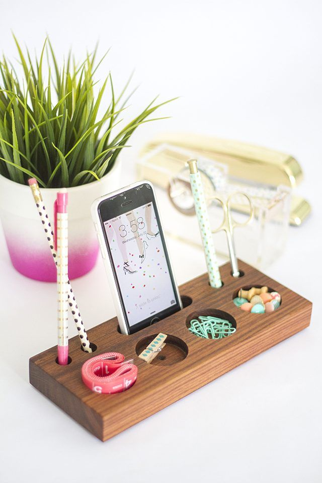 How To Make A Modern Desk Organizer From A Block Of Wood Ehow Diy Wooden Desk School Diy Desk Organization Diy