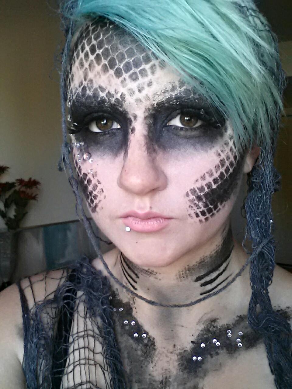 Mermaid Makeup (With images) Little mermaid makeup