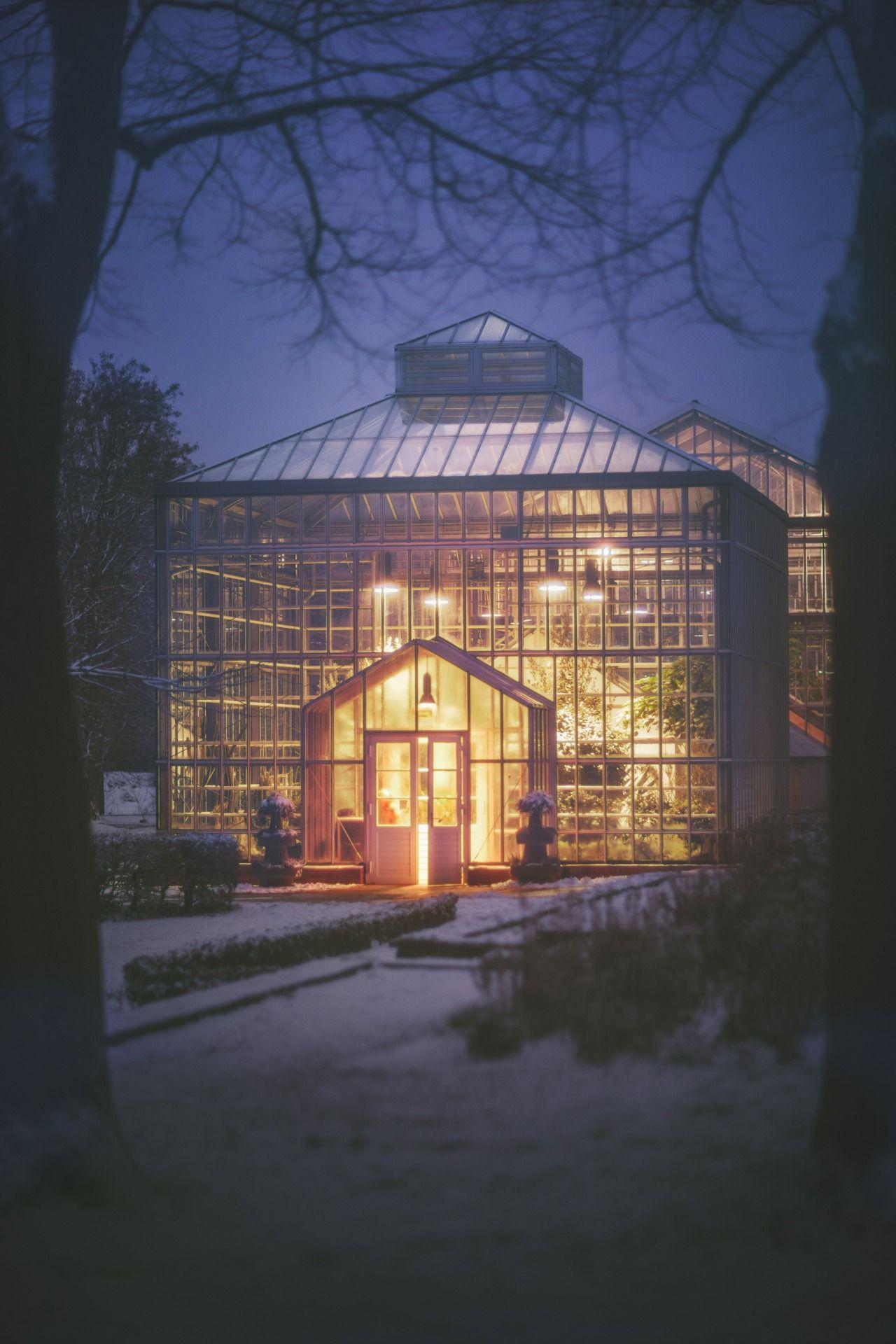 Greenhouse Berlin Botanischer Garten Greenhouse Landscape Meolog On Pankow Photographers Snow Source Tumblr Greenhouse Modern Garden Landscape