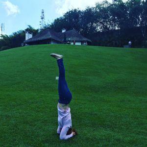 salamba sirsasana headstand / parada de cabeza  healthy