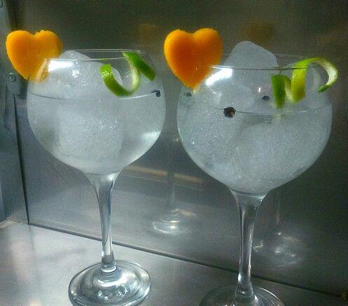 Sí quieres disfrutar de uno de estos cocktails, ven esta noche a Maremoto Café & Cocktail y celebra San Valentín con nosotros. Esto no ha hecho más que empezar