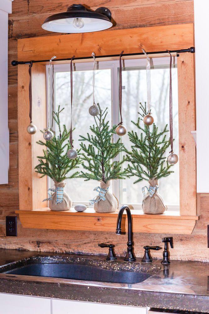 Photo of Easy Christmas Kitchen Window Garland