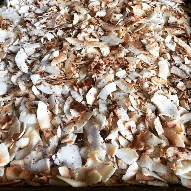 Cinnamon toasted coconut chips 1. Preheat oven to 350.  2. Spread organic unsweetened coconut flakes onto baking sheet. 3. Sprinkle with cinnamon and a touch of salt.  4. Bake for 5-10 minutes watching closely.  5. Take out of oven when done and lightly stir to evenly coat