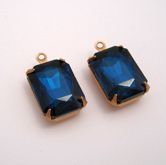 2pcsVintage Glass Blue Zircon Crystal Octagon 1 Loop by anchar, $3.20