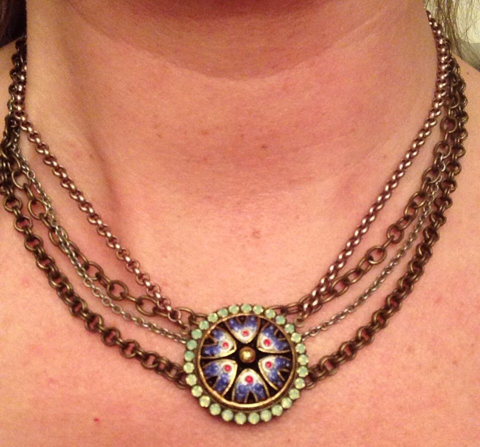 Sabika look necklace - Medallion Necklace With Playdate Chains