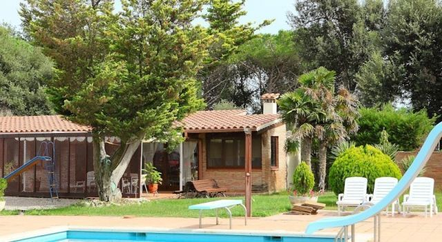 Holiday home Casa Fornells de la Selva - #VacationHomes - CHF 150 - #Hotels #Spanien #FornellsDeLaSelva http://www.justigo.ch/hotels/spain/fornells-de-la-selva/holiday-home-casa-fornells-de-la-selva_16527.html