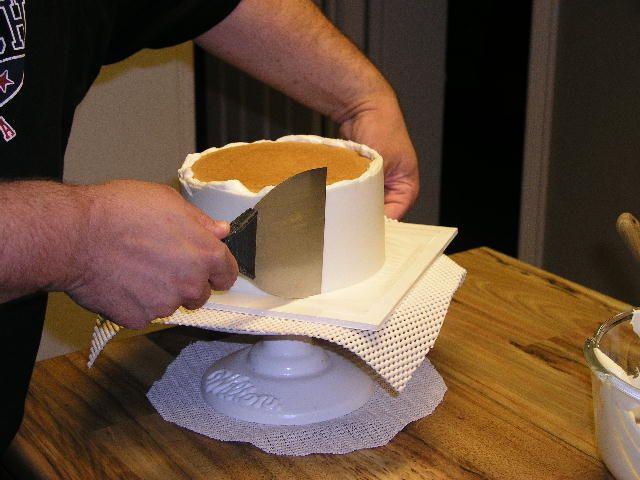 die besten 25 glasur techniken ideen auf pinterest buttercreme techniken mirror glaze rezept. Black Bedroom Furniture Sets. Home Design Ideas