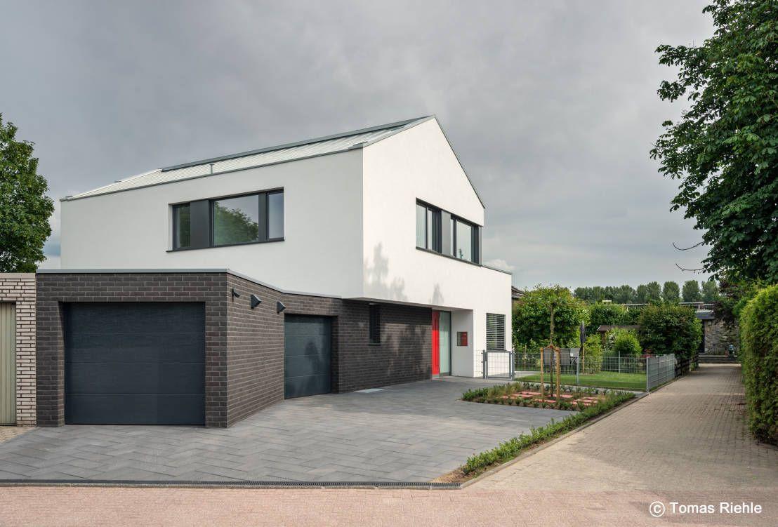 Vorfahrt : Moderne Häuser von Schmitz Architekten GmbH