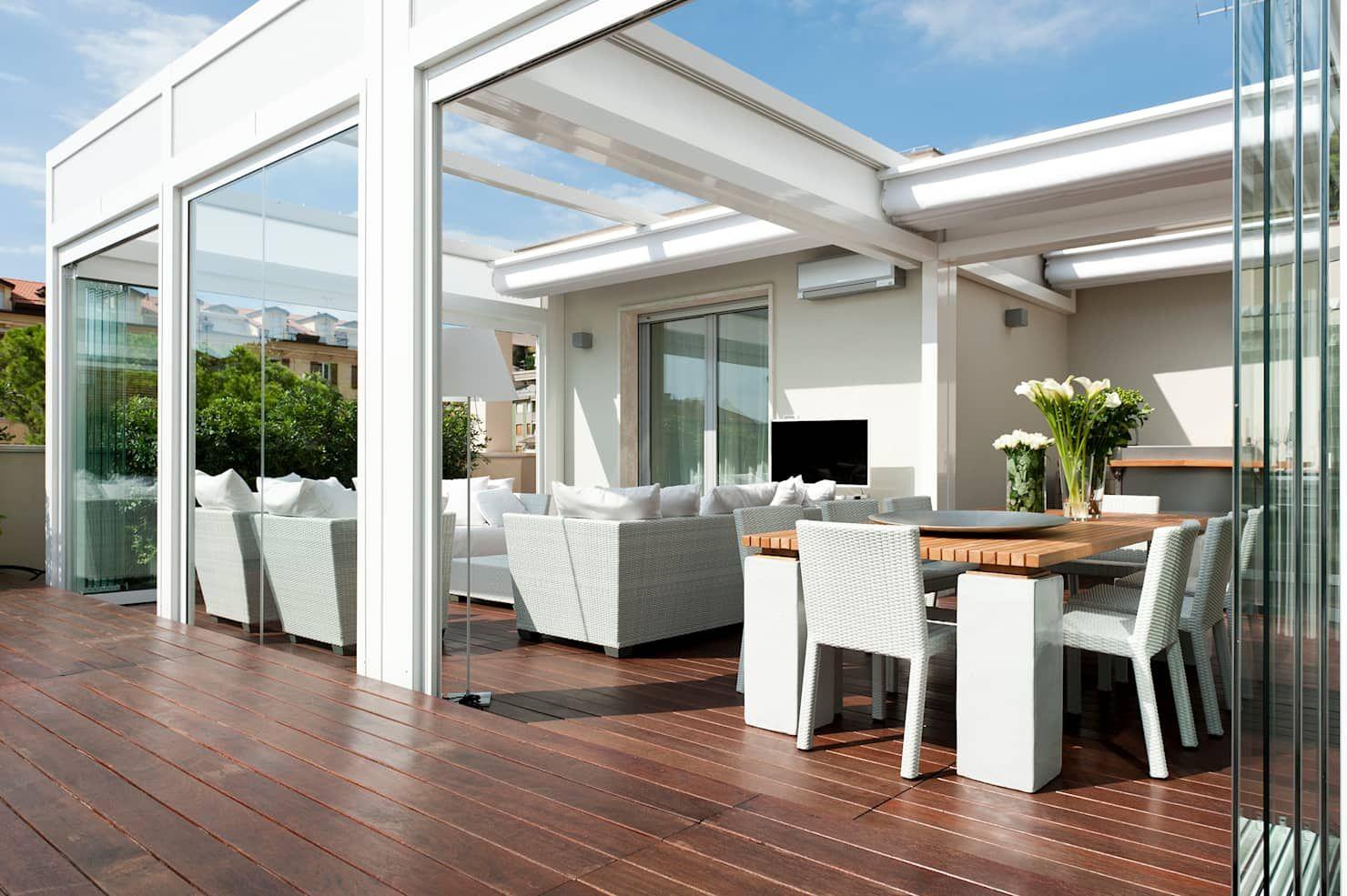 Casa alassio balcone, veranda & terrazza in stile moderno