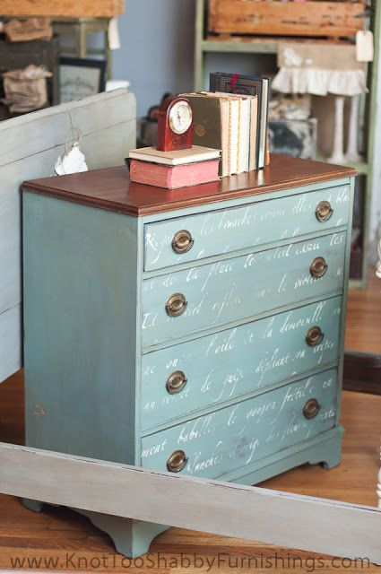 Annie Sloan Chalk Paint®: Arles with Greek Blue and Paris Grey mixed together