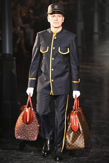 Louis vuitton fall 2012 rtw fashion show bags and swags for Last design outlet
