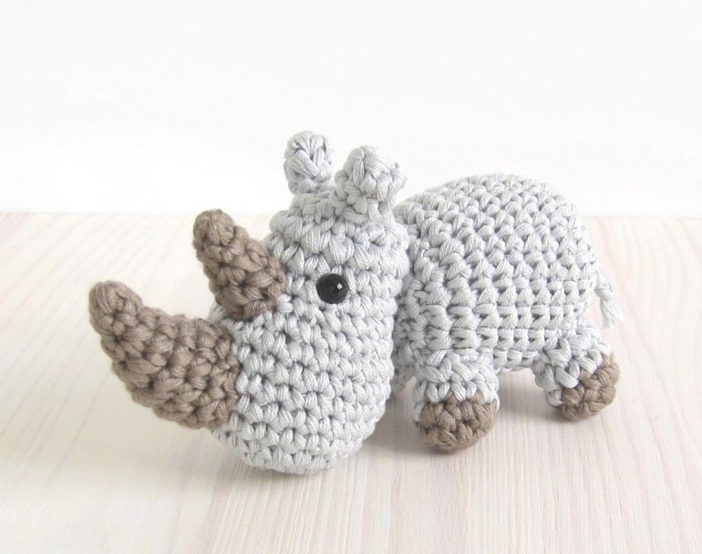 Free crochet pattern for a tiny amigurumi rhino, small