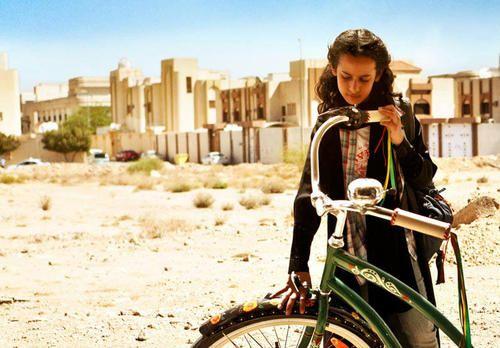 In Arabia Saudita  i cinema sono proibiti e anche scattare una fotografia è ai limiti della legge.
