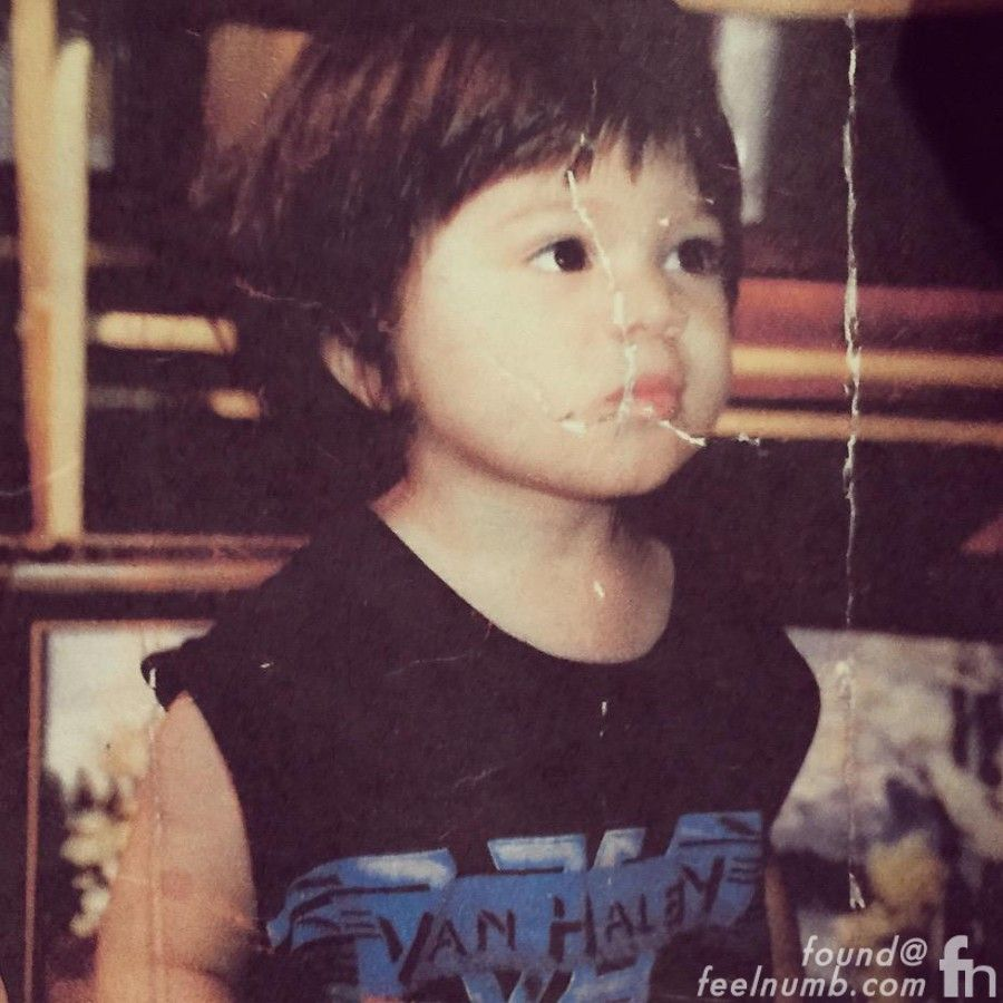 Awesome Shot From Little Wolfgang Van Halen With A Vh Logo T Shirt This Kid Is Great Van Halen Wolfgang Van Halen Eddie Van Halen