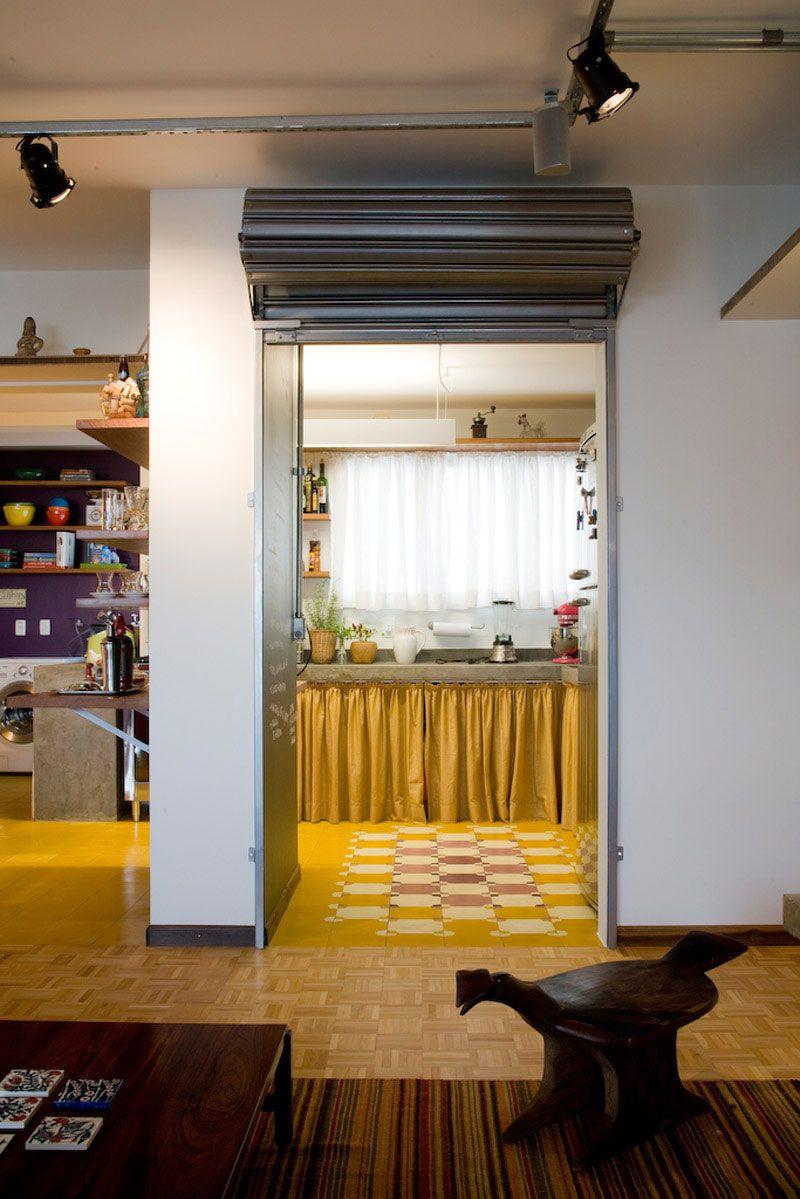 Essa ideia de porta de bar dividindo o Ambiente foi ótimo. http://www.superlimao.com.br/interna/40