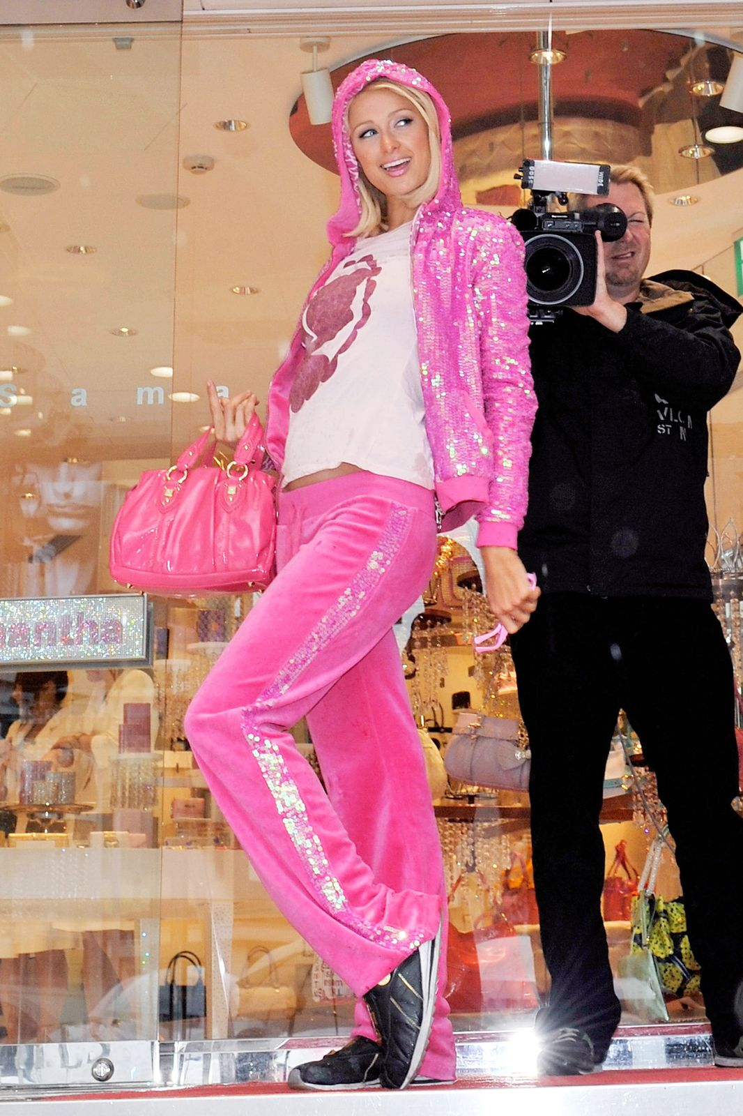 juicy couture closing 2000s celeb fashion trends style