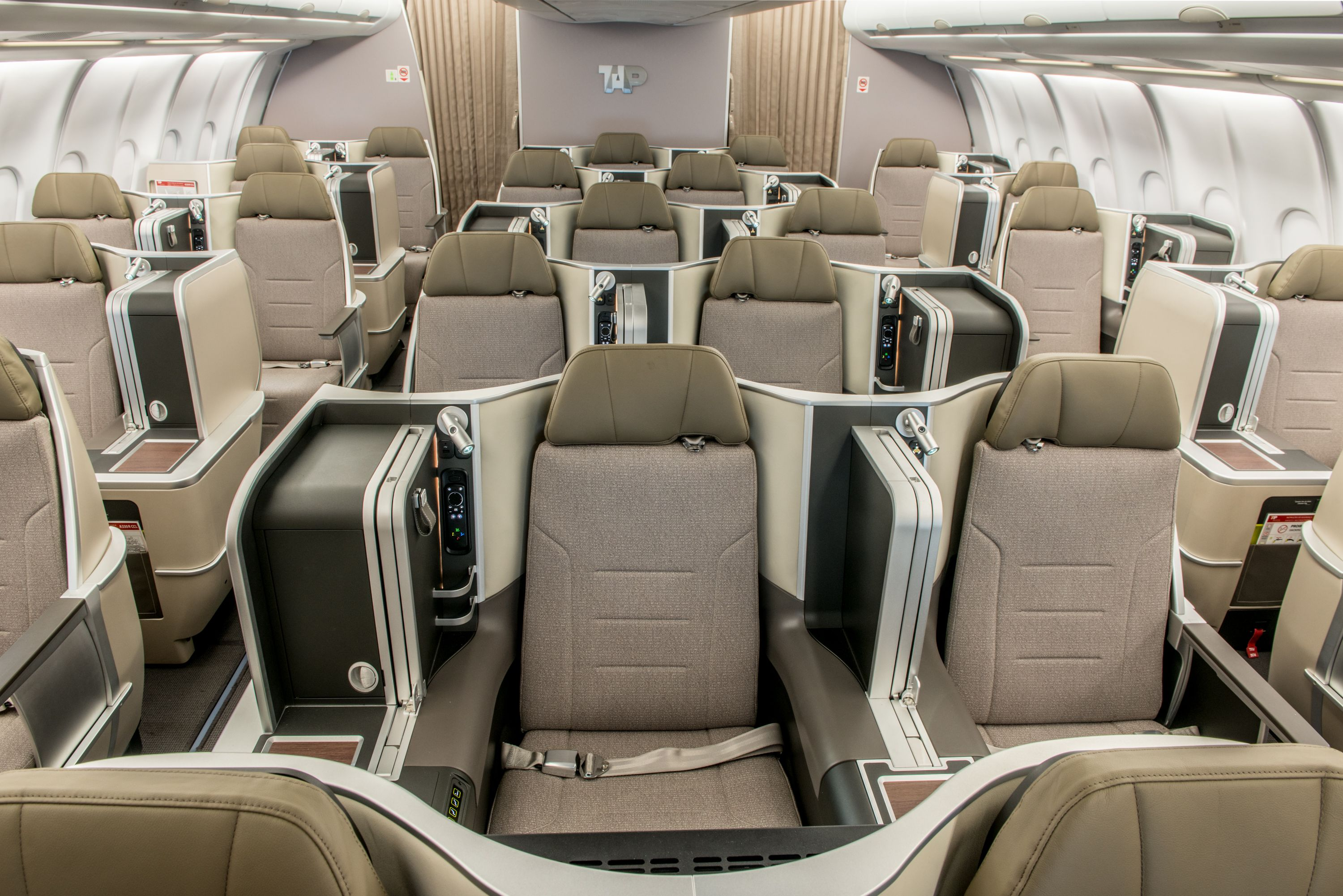 Tap Tap Portugal Tap Air Portugal Airline Economy Luxury Seating