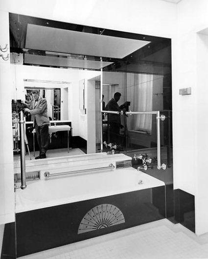 Jackie S White House Bathroom 1952 Photo From Truman Renovation By Abbey Rowe Www Pinkpillbox Com White House Bedroom White Bedroom Bedroom Pictures