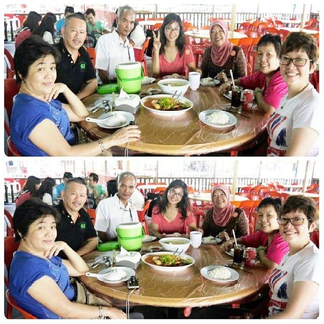 Golden Prawn 555 in Batam, Kepulauan Riau  enjoy your family trip at batam and dont forget to having lunch at golden prawn