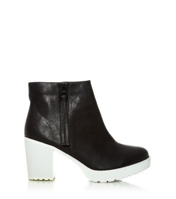 Black Contrast Chunky Cleated Sole Shoe Boots