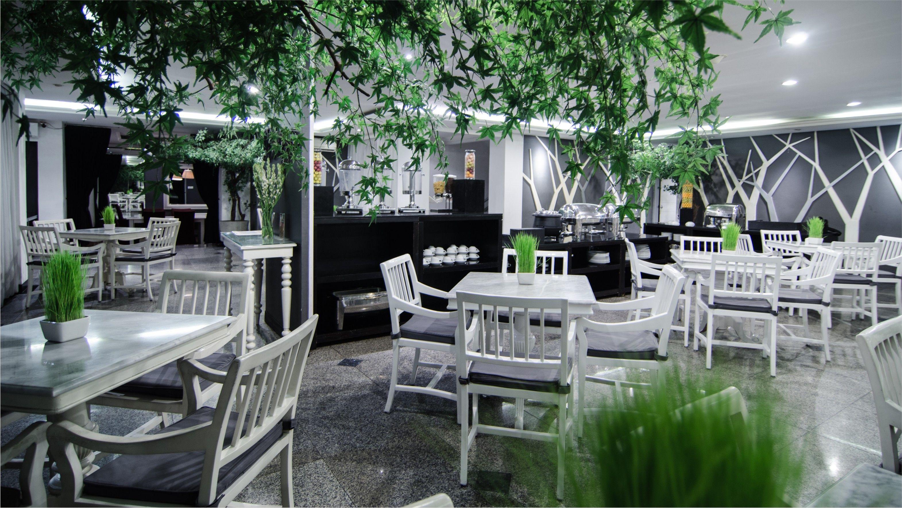 The Bellagio a 24 hour coffee shop