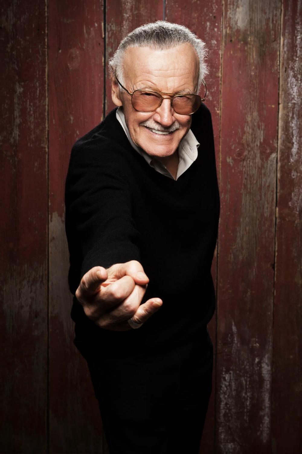 Marvel Legend Stan Lee A Life In Pictures Frank Miller Comics Frank Miller Art Funny Tattoos