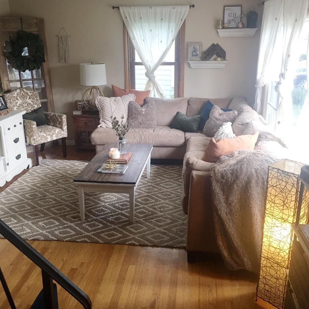 Best Using A Sectional Is A Great Way To Maximize Seating In A 640 x 480