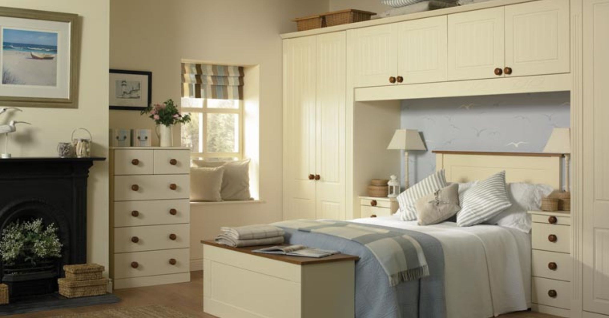 Around the bed storage- //.doors-sincerely.co & Around the bed storage- http://www.doors-sincerely.co.uk/Assets ...