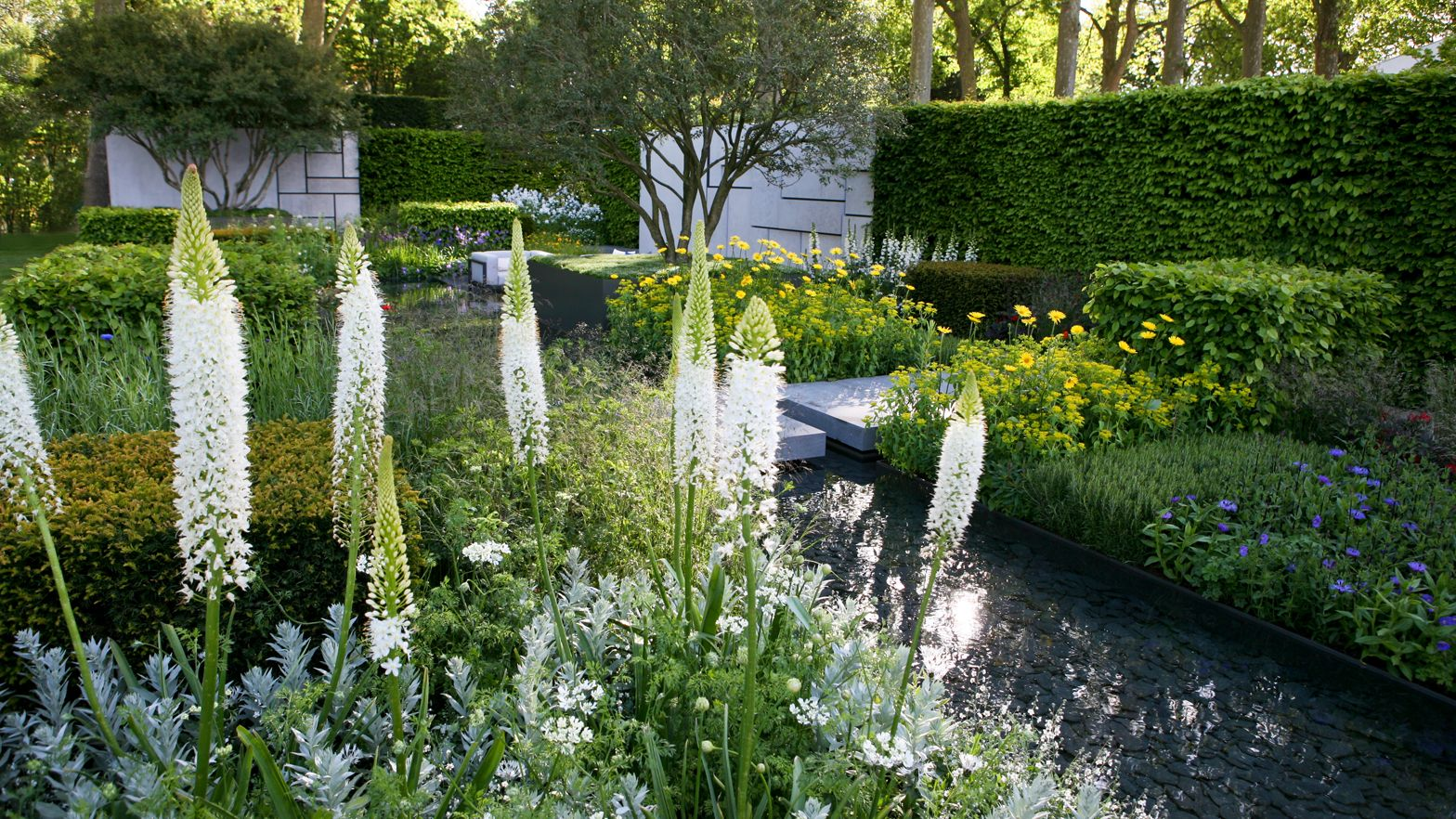 Cottage Style Party What I M Pinning Now Cottage Garden Cottage Garden Design Beautiful Gardens
