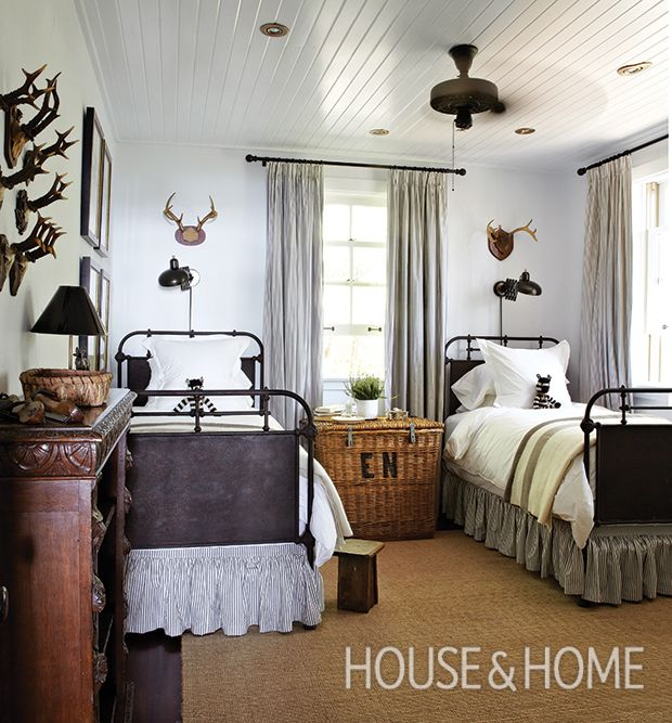 20 breezy cottage bedrooms with country charm ceiling fan 20 breezy cottage bedrooms with country charm mozeypictures Images